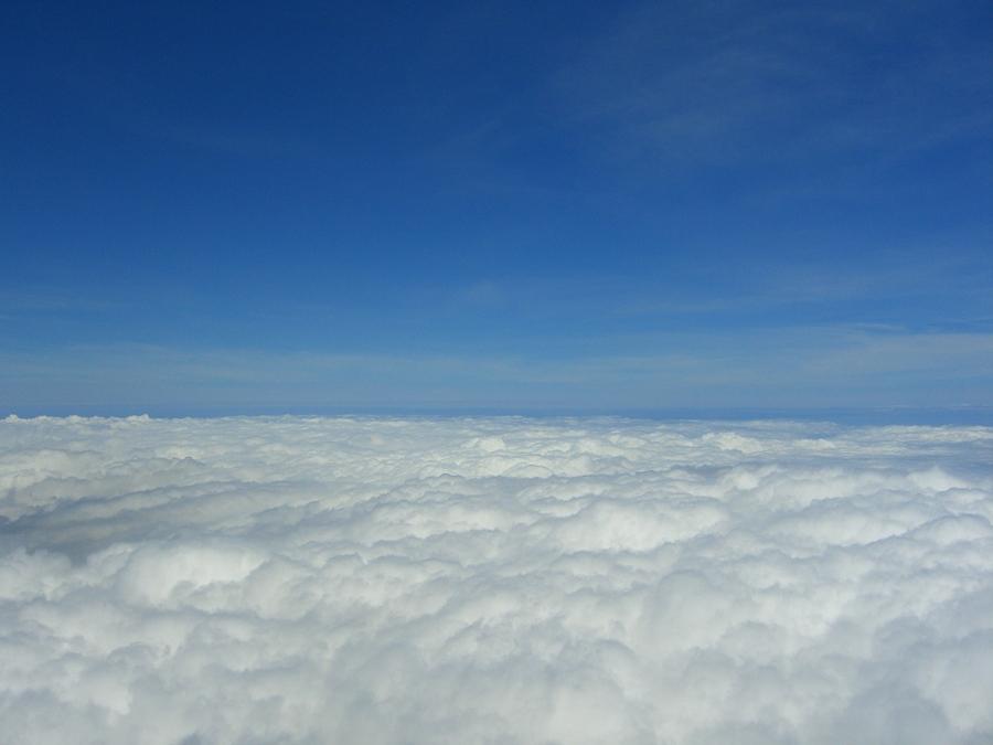 富士登山、雲海を眺める