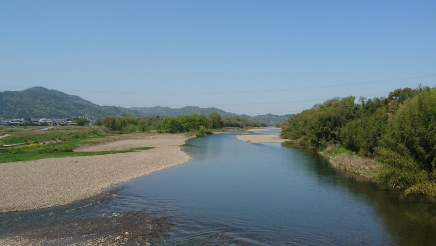 亀岡市内を流れる大河?桂川