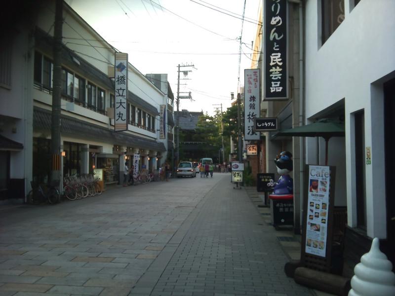 観光地「天橋立」の商店街